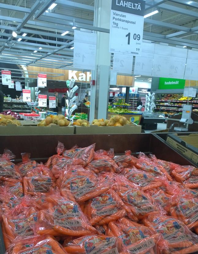 Kaupat nostavat Vierulan tilan tuotteet mieluusti lähituottajana esille.