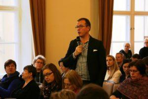 Antti Lauslahti kertoi kauppavaltuuskunnan mukana Kiinassa ollessaan hävenneensä, kun Suomi ei ollut EU-rahoilla esillä kuten muut maat